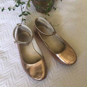 Crewcuts rose gold metallic ballet flats size 2